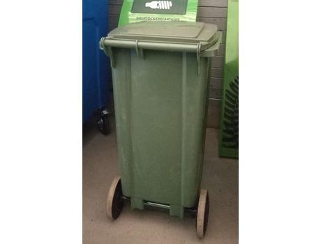 Контейнер для мусора 120 л на складе