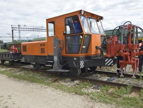 Машина путевая ремонтная подбивочная ПРМ-5П
